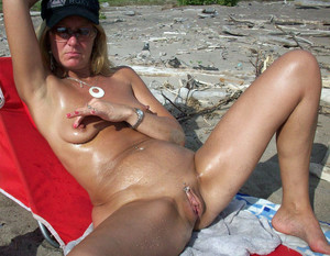 Brazen black guy paw mom outdoors