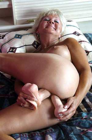 Playful mature with juicy tits stuffed..