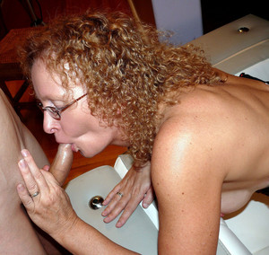 Cock-starved curly mature gets fucking..