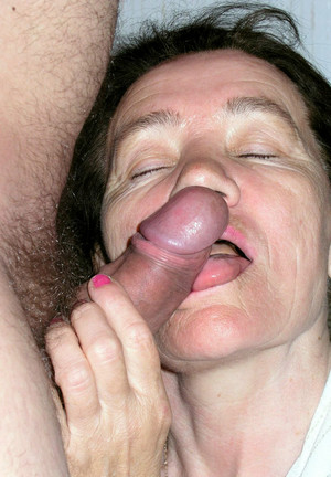 Dissolute grannies which suck dicks on..