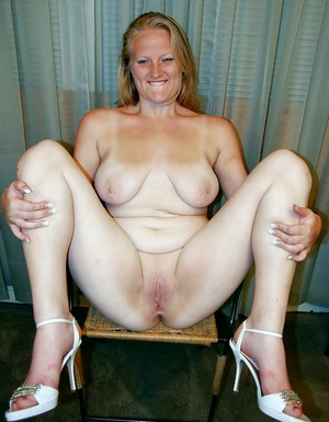 Dissolute mature women showing their..
