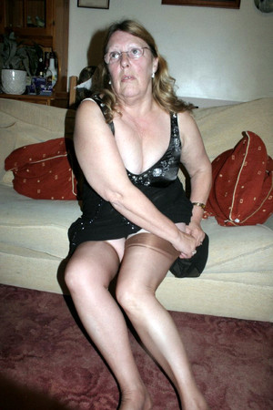 Flabby but still sex-hungry granny in..