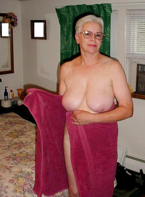 Shaved porn photo with mature women
