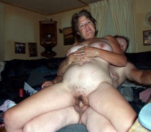 Hairy mature seduced neighbor to hot..