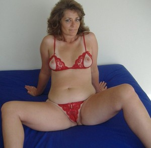 Lush mom rides a dick of her husband,..