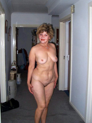 Beauty porn photo with mature women