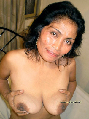 Big titted mature ladies exposing..