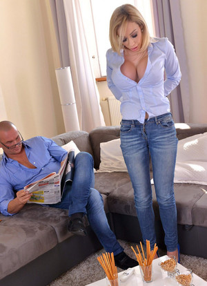 Big boobed blonde Chessie Kay gets..