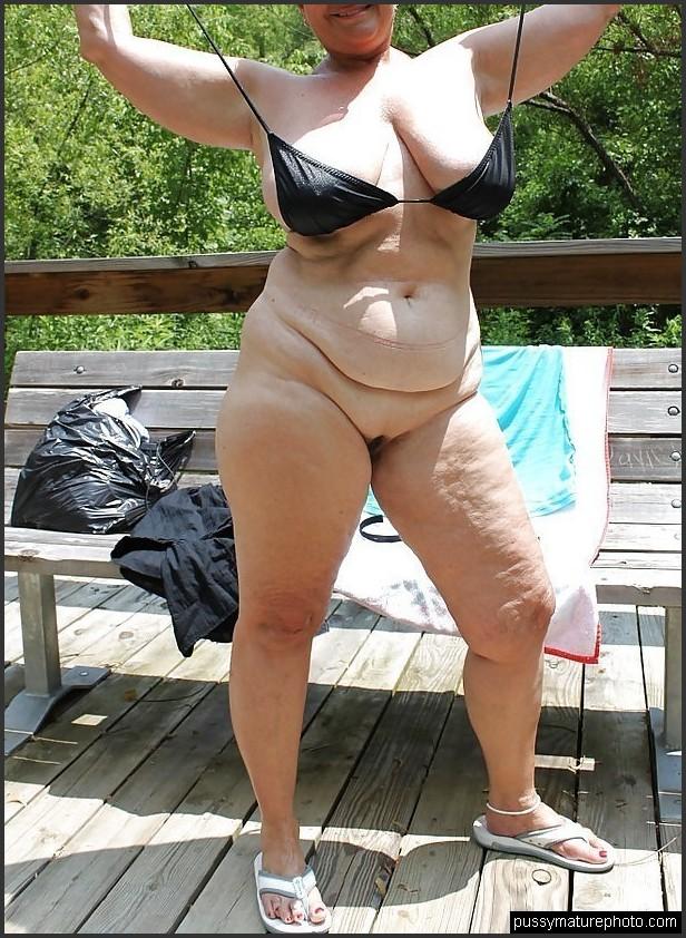 Mollige nackt