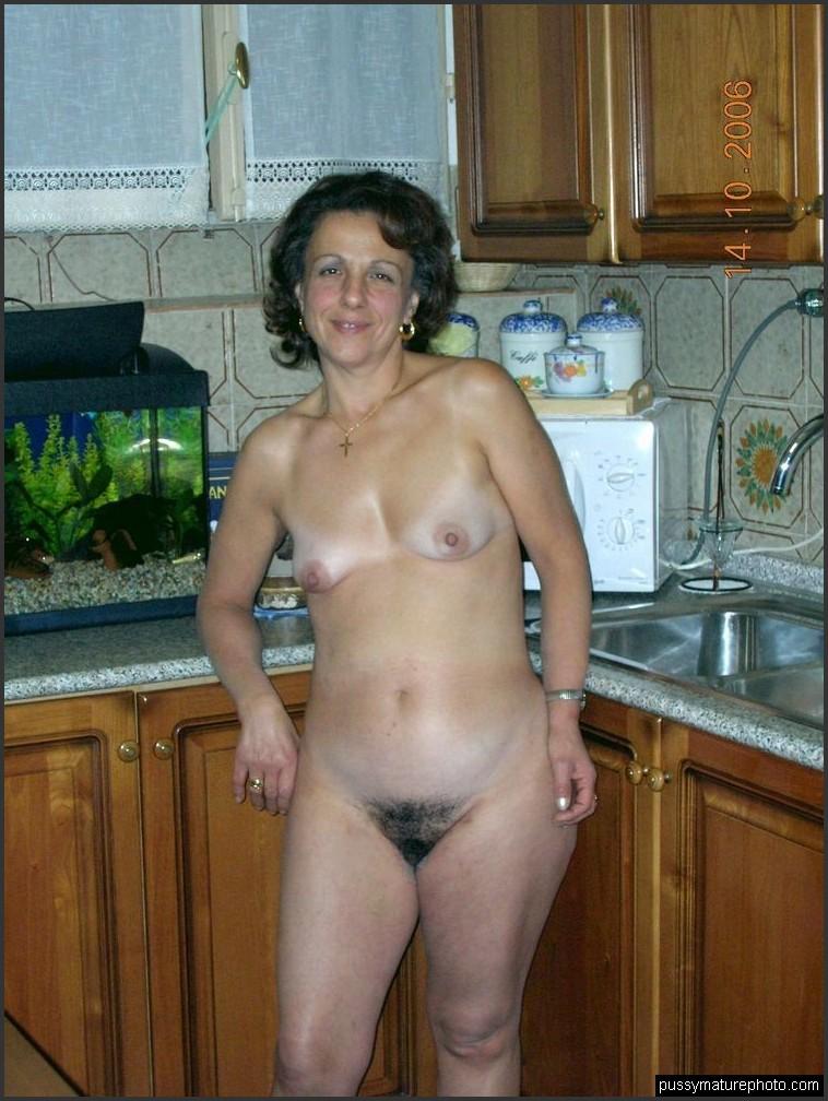 tripl h naked pics