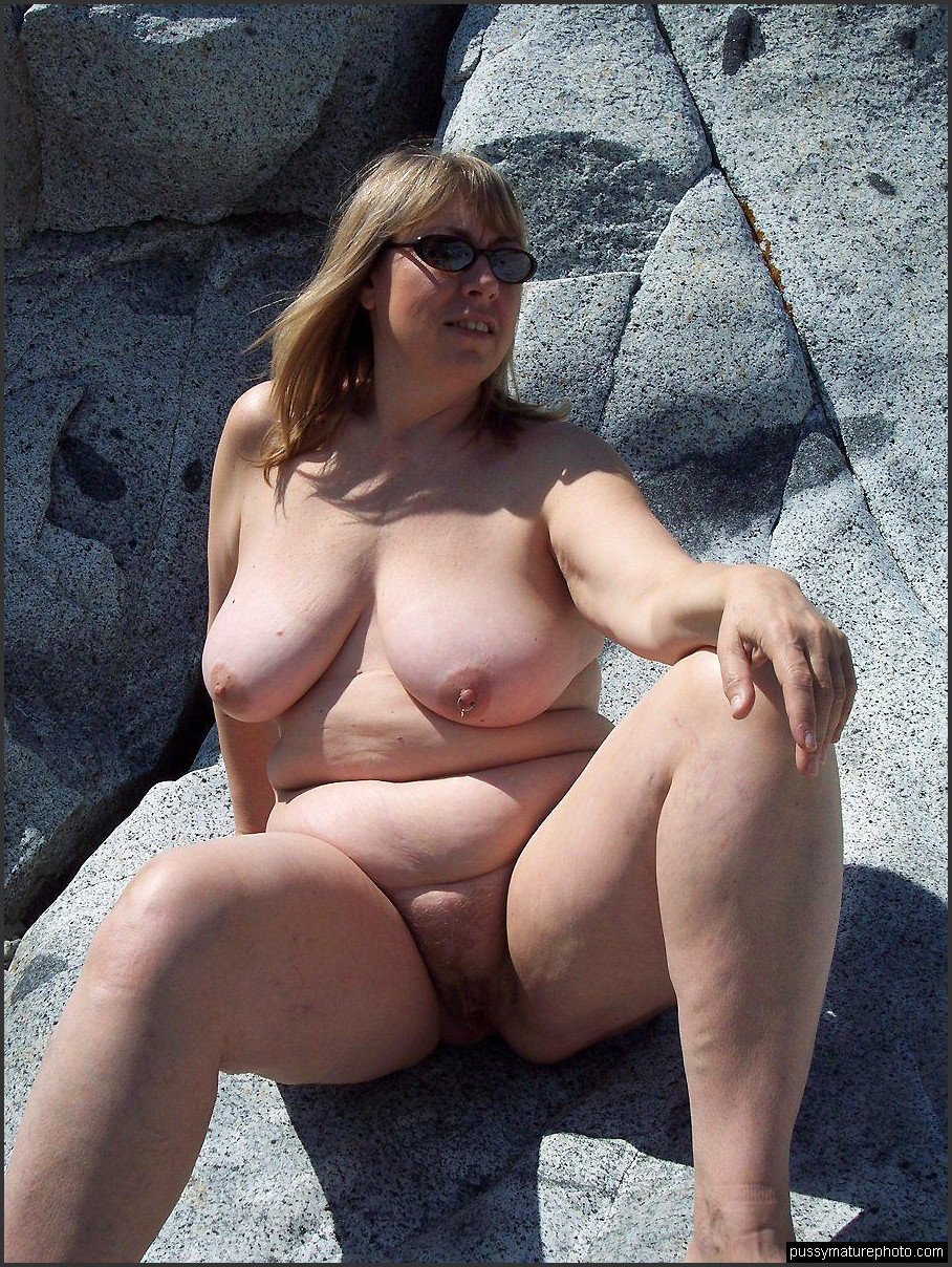 chubby older woman nude