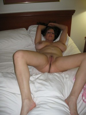 Busty swinger wife from Worksop laying..