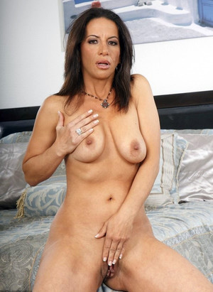 Milf babe Melissa Monet nude pussy,..