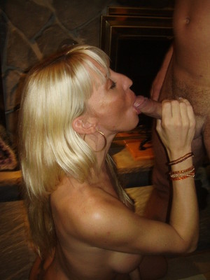 Naked mature cougars, sexy pics from..