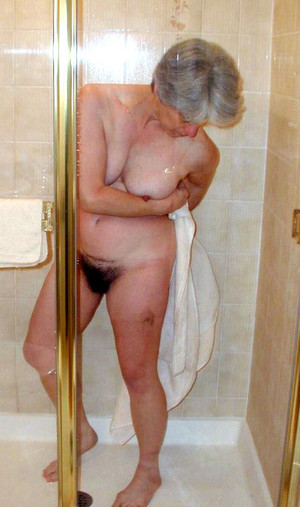 Redhead granny doing blowjob during..