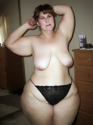 Big Mature women with wide hips