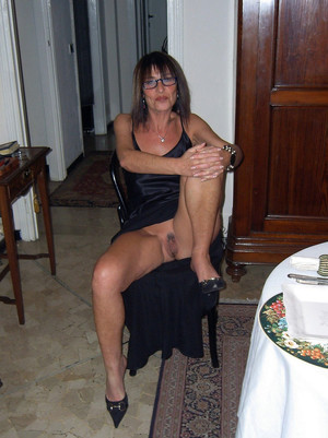 Hot Girl porn photo with mature women