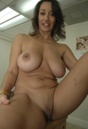 Blowjob porn photo with mature women