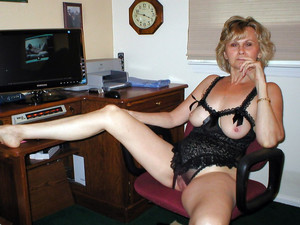 Photo collection of sex-starved mature..
