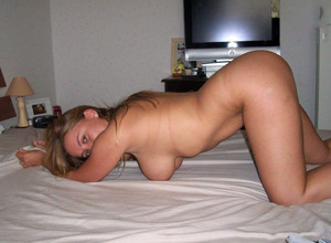 Amateur wife doing hot blowjob at..
