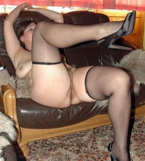 Juicy, curvy woman in stockings!..