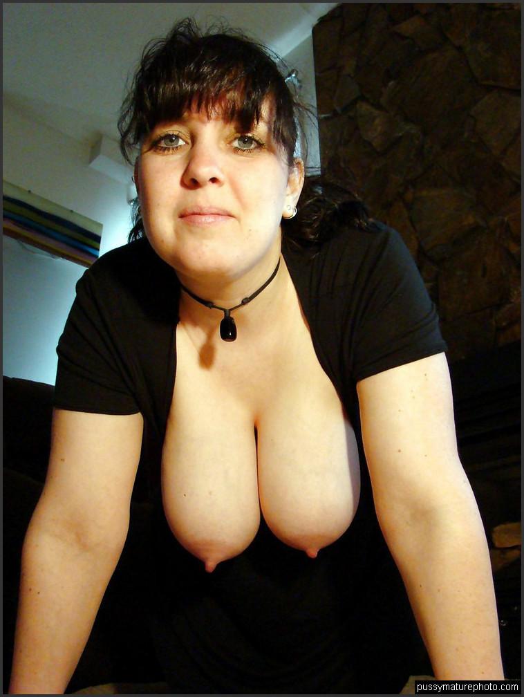 Amateur hausfrauen nackt Nackt Hausfrauen