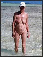 Ladys nackt am strand