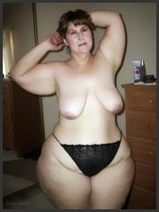 Nackt becken frauen breiten mit Breites Becken