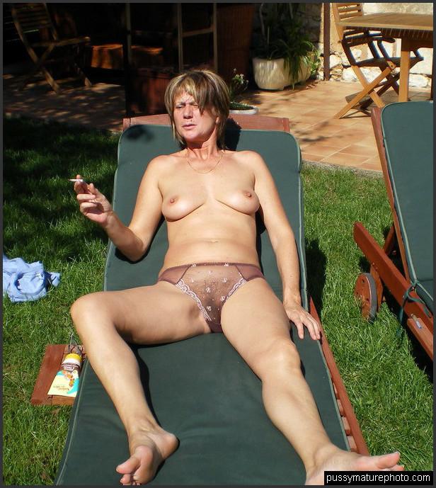 See reife frauen nackt am Frauen Nackt