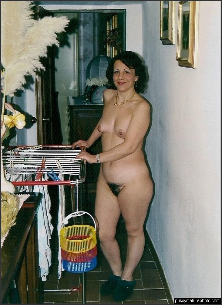 stunning naked women