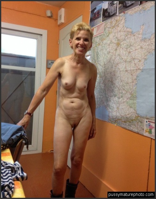 aged naked women middle